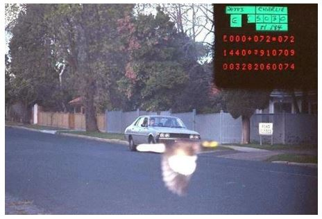 Lucky Speeder Avoids Camera | Source: Bored Panda